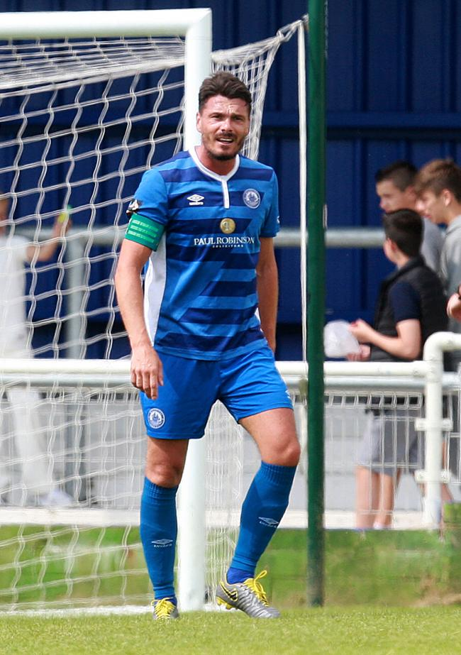 Facing his former side - Billericay Town's Ronnie Henry	              Picture: NICKY HAYES/iCORE LTD