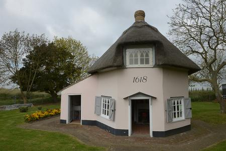Historic - the Dutch Cottage