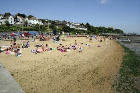 Bell Wharf - bathers warned against swimming at the Leigh beach